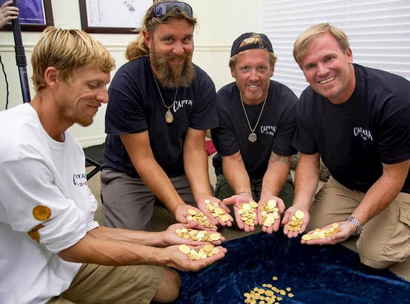 9 FOTO TESOROS cuatro con monedas de oro
