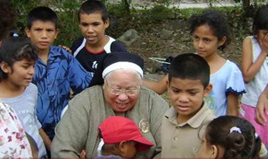 """Sor María Rosa la """"madre Teresa"""" de Honduras y su gran labor durante tantos años"""