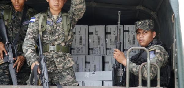 militares y urnas
