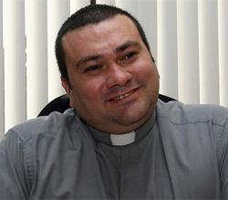 Padre Carlo Magno