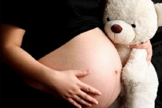 nina embarazada