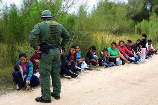 migrantes descansando