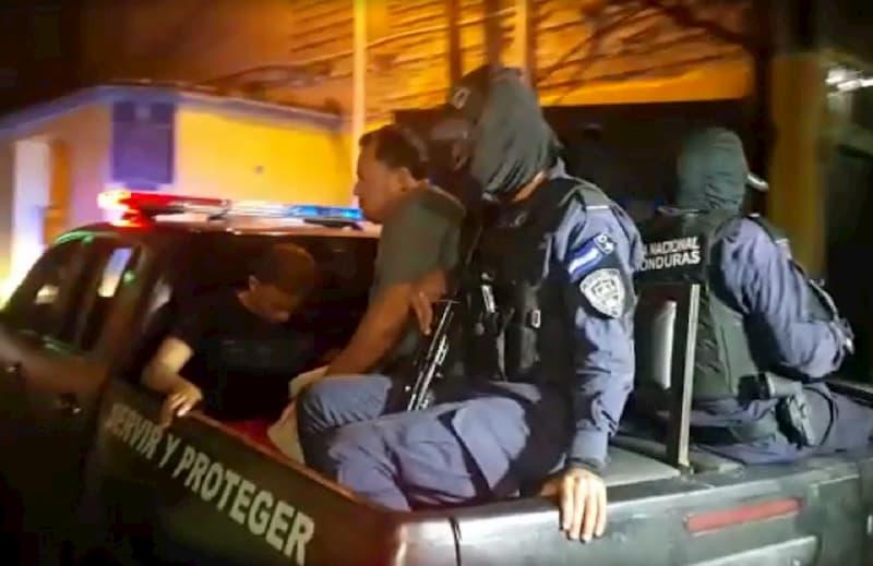 FOTO POLICÍAS MILITARES