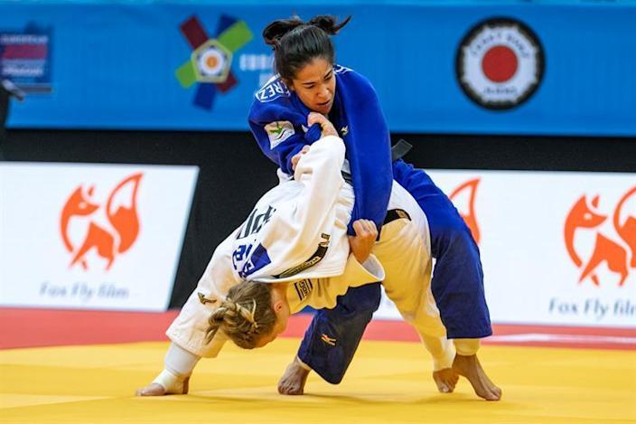 La judoca Cristina Cabaña fulmina a su rival filipina y avanza a octavos